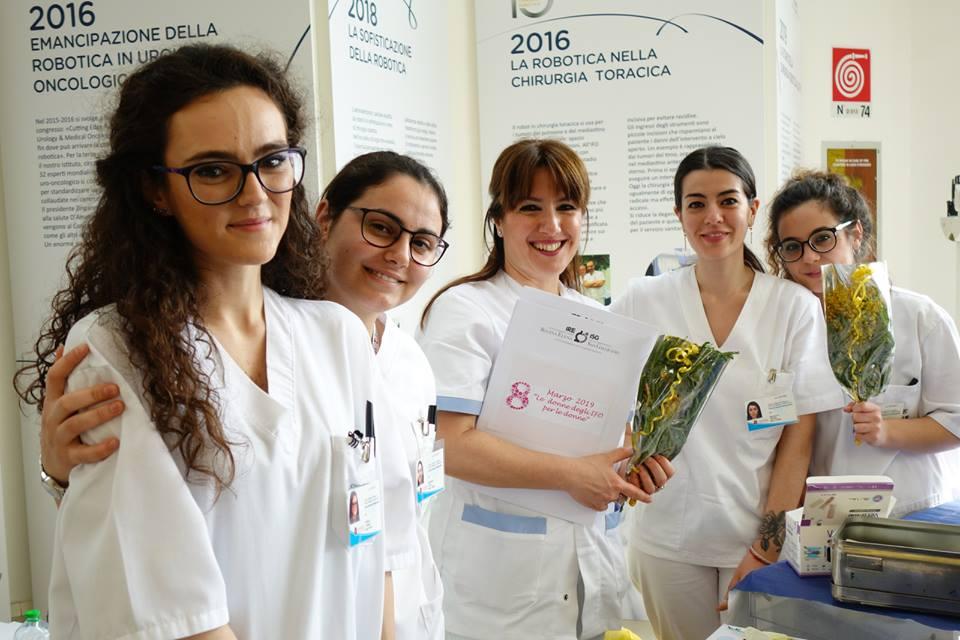 Le ragazze della ginecologia per la giornata dell'8 marzo agli IFO