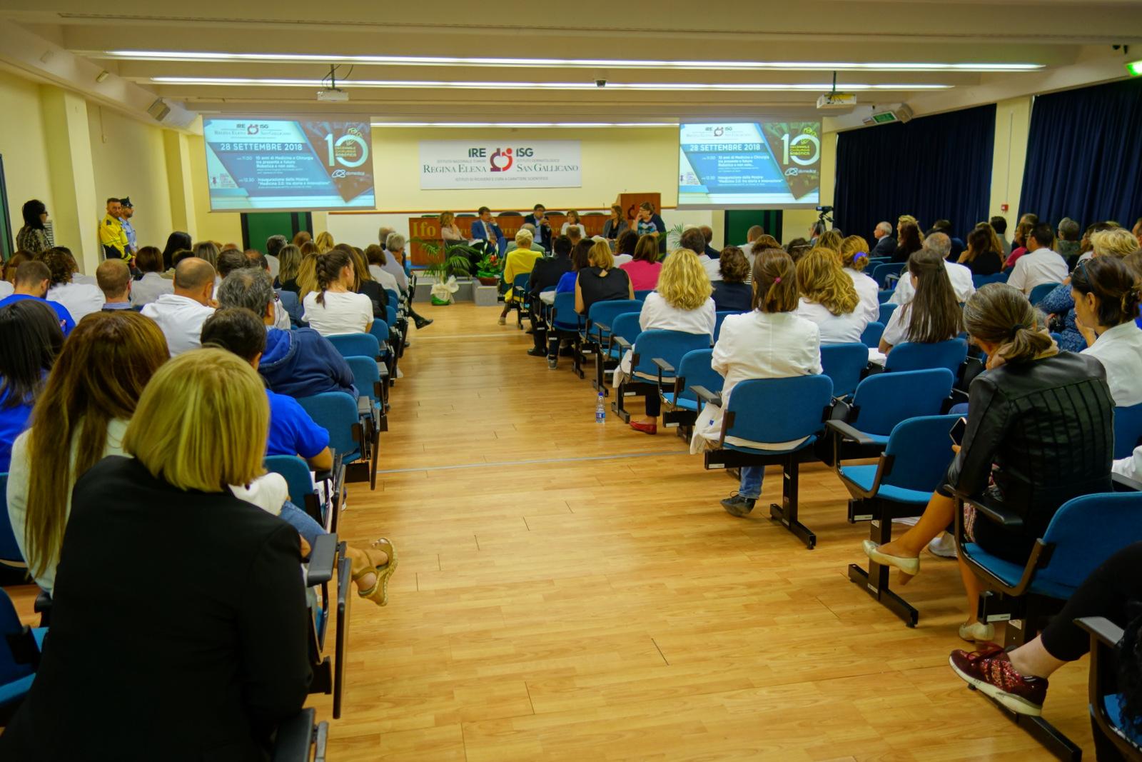 Panoramica del centro congressi IFO per i 10 anni di robotica